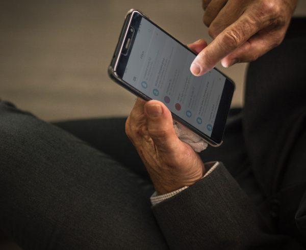 モバイルフレンドリーなメルマガを作成するための7つの基本的なヒント
