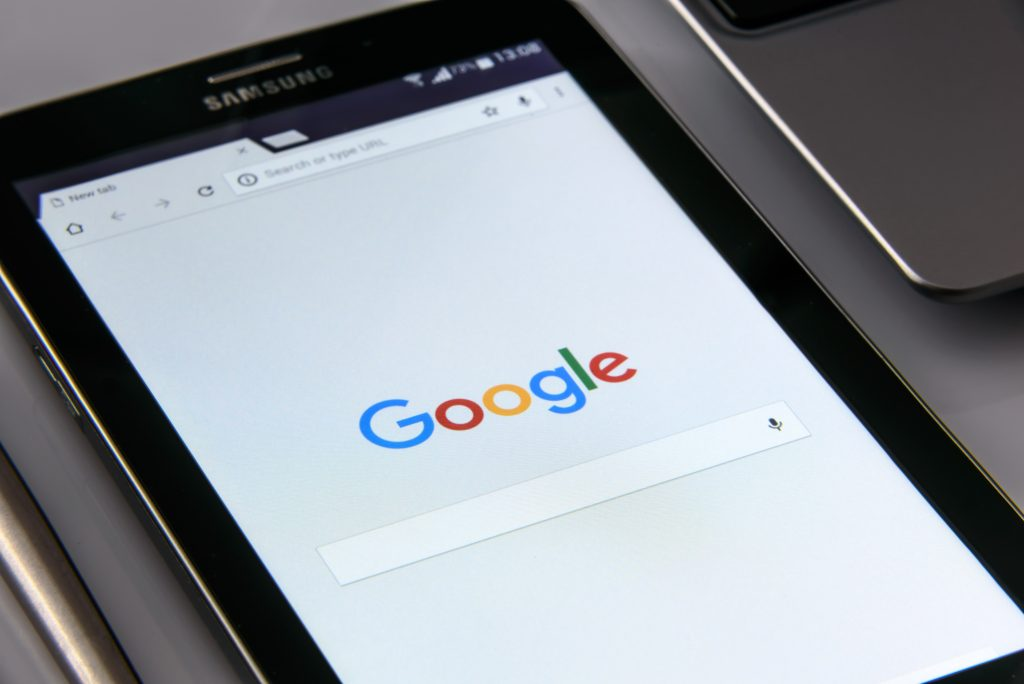 Googleのモバイルでのテキストカルーセル広告