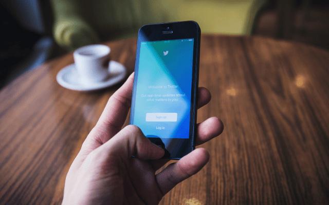 Twitter、ブラジルでストーリー風フォーマットを試験運用