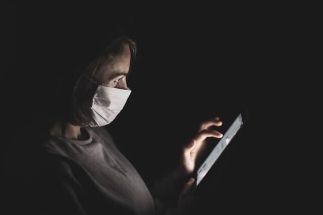コロナウイルスのパンデミック下でも企業は広告を停止する必要はないと消費者は考えている