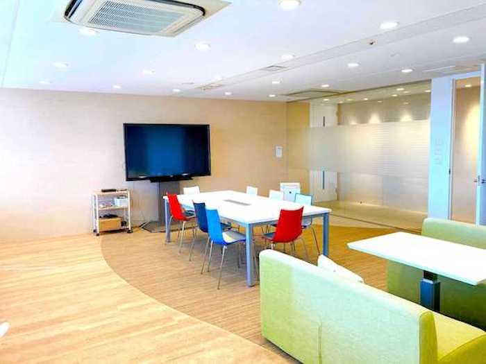 デジプロ 大阪校舎の教室の風景